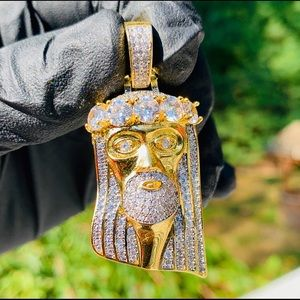 Other - Gold Iced Out Jesus Pendant / 3mm Rope Chain